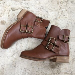 Ediracien Shelly London Brown Ankle Bootie New